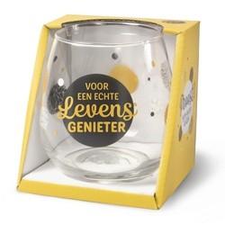 Glazen met tekst bij de Cornershop Soesterberg